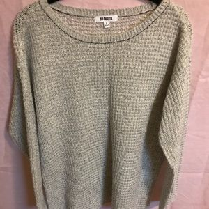 BB Dakota Lightweight Sweater